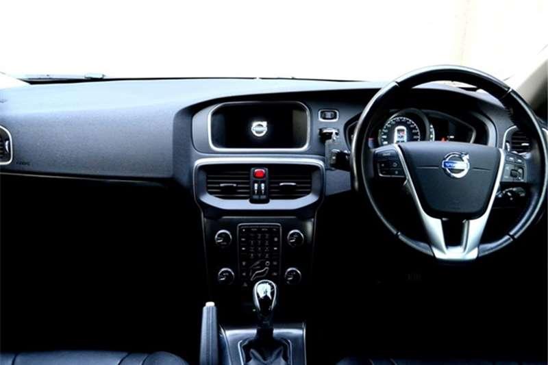 Volvo V40 D3 Momentum 2015