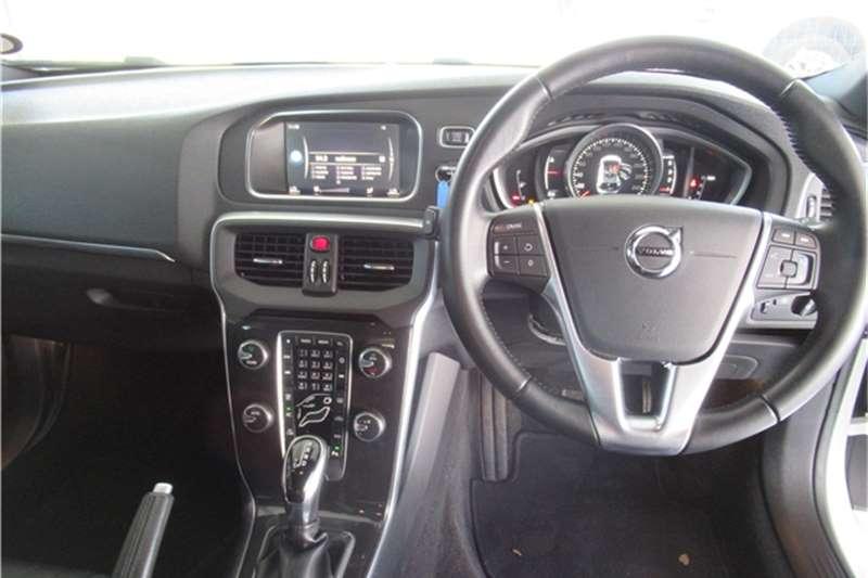 Volvo V40 D3 Momentum 2017