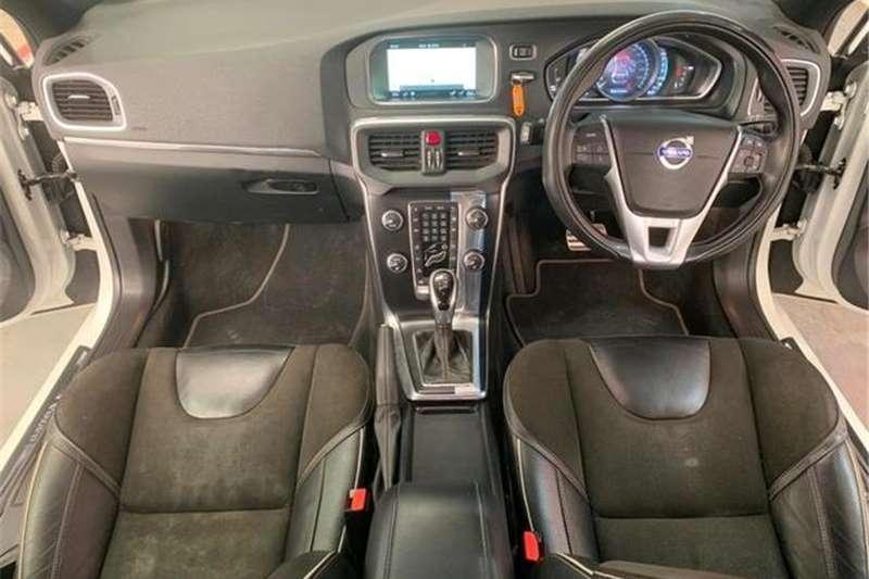 Volvo V40 D3 R Design 2016