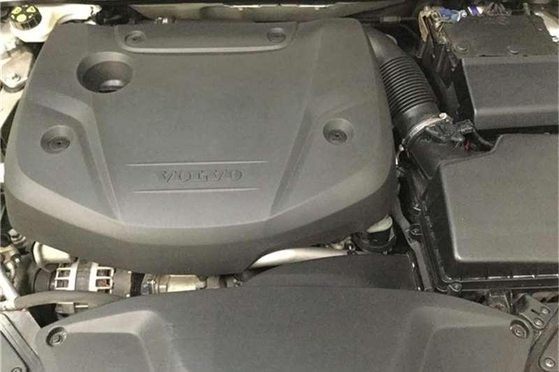 Volvo V40 D4 Momentum 2015