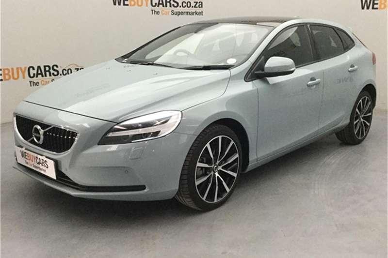 Volvo V40 T3 Momentum auto 2018