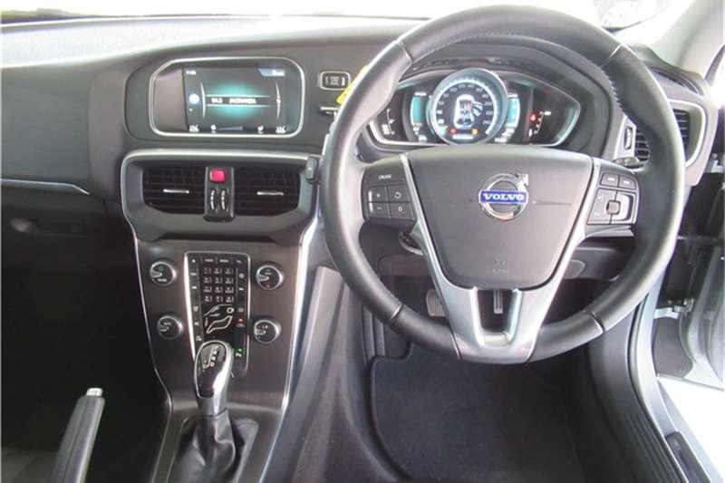 Volvo V40 T4 Excel auto 2015