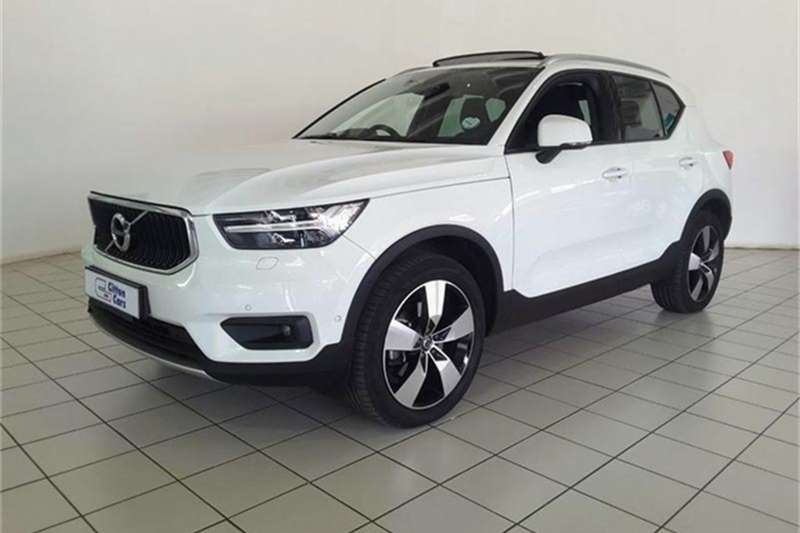 Volvo XC40 D4 MOMENTUM AWD GEARTRONIC 2018