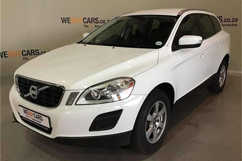 Volvo XC60 D3 DRIVe Essential 2011