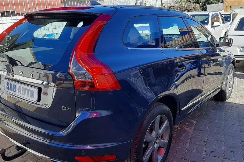 Volvo XC60 D4 Essential auto 2015