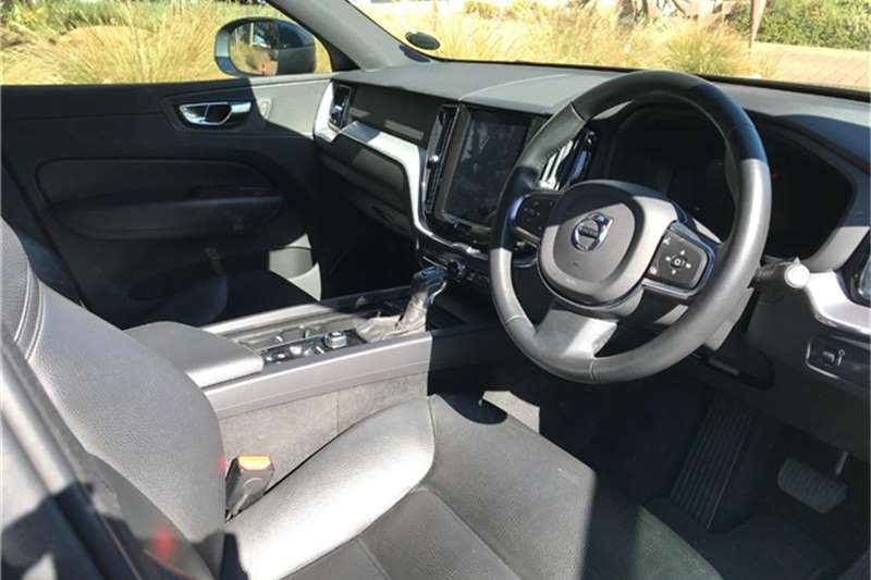 2019 Volvo XC60 XC60 D4 MOMENTUM GEARTRONIC AWD