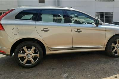 Used 2015 Volvo XC60 D5 MOMENTUM GEARTRONIC AWD