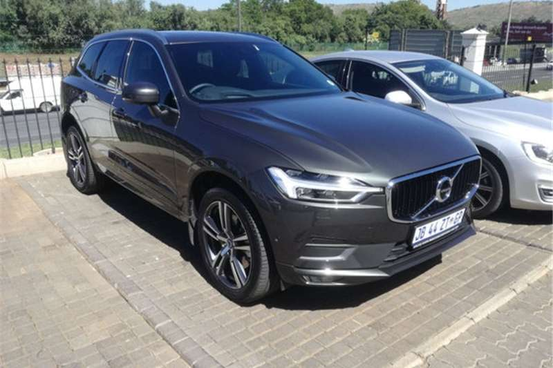 Volvo XC60 T5 MOMENTUM GEARTRONIC AWD 2019
