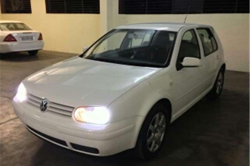 VW Golf 2004