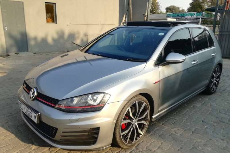 VW Golf GTI Performance auto 2015