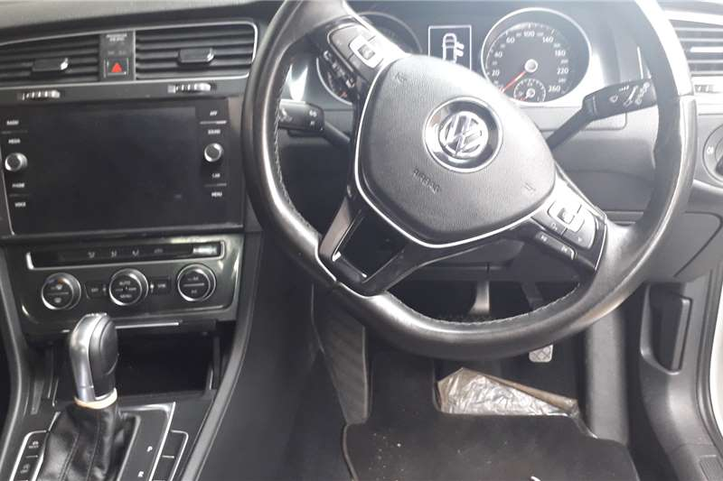 VW Golf Hatch GOLF VII 1.4 TSI COMFORTLINE DSG 2018