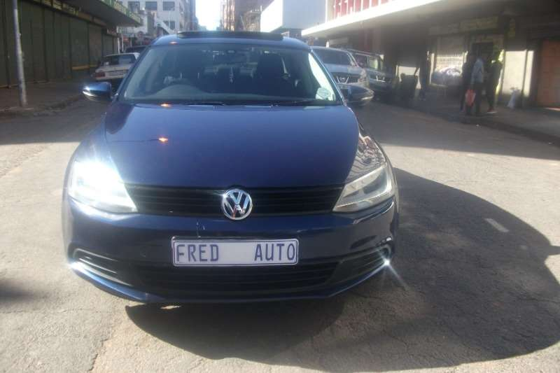 VW Jetta 1.4 TSi COMFORTLINE 2014