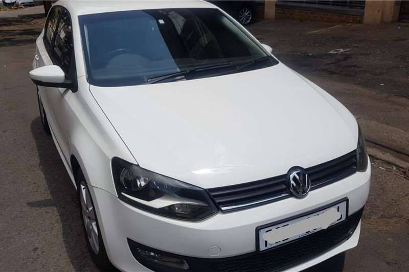 VW Polo Hatch POLO 1.6 COMFORTLINE auto 2014