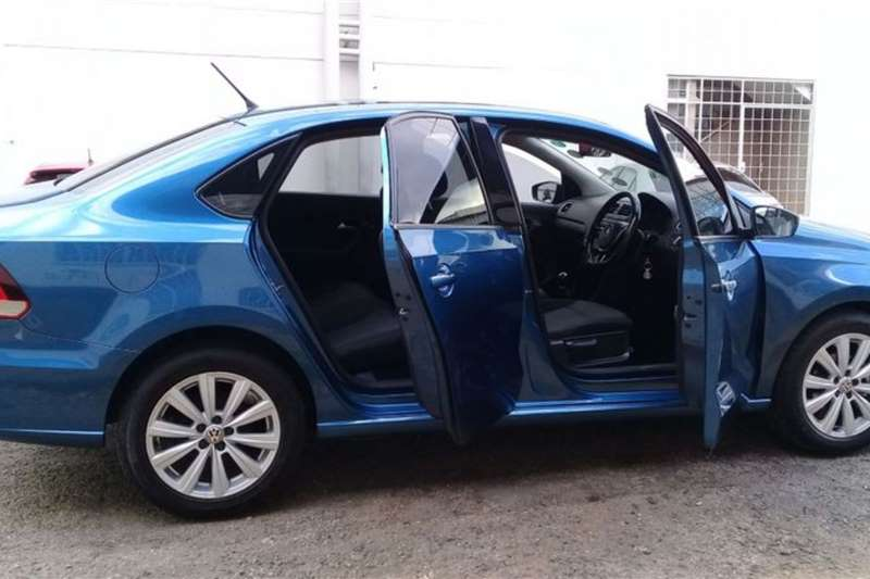VW Polo Sedan POLO 1.4 COMFORTLINE 2017