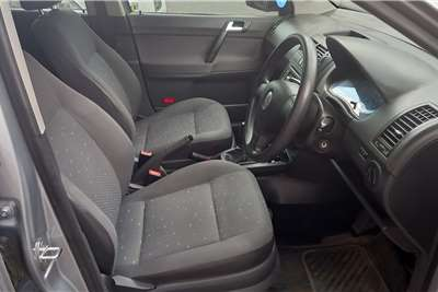 VW Polo Sedan POLO 1.6 COMFORTLINE 2010