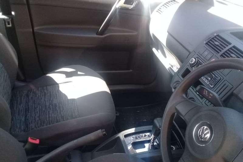 VW Polo Vivo hatch 1.4 Conceptline Sedan 2011