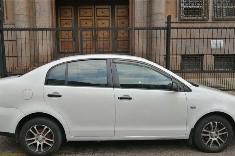 VW Polo Vivo Sedan POLO VIVO 1.4 2013