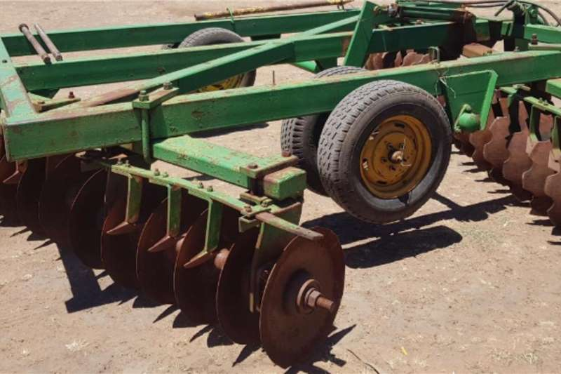 Agrico Tillage equipment Ploughs John Shearer 36 Disc Offset harrow