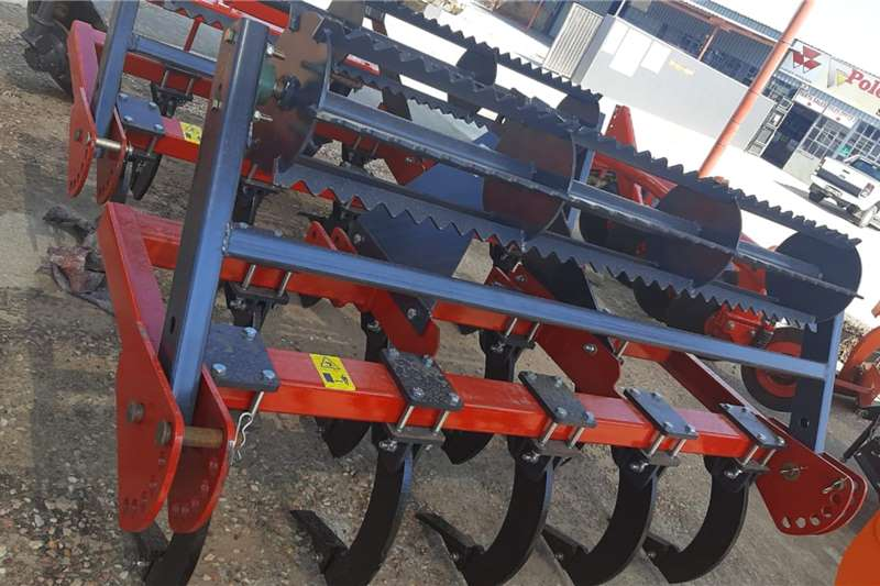 Carts and wagons Chisel plough Agricultural trailers