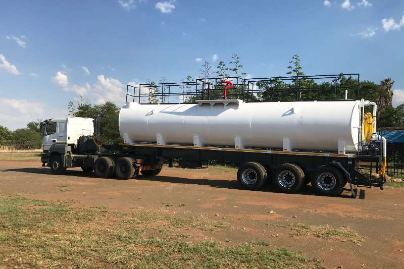 Agricultural trailers Carts and wagons Fire fighting cannon installations on water tanker 2019