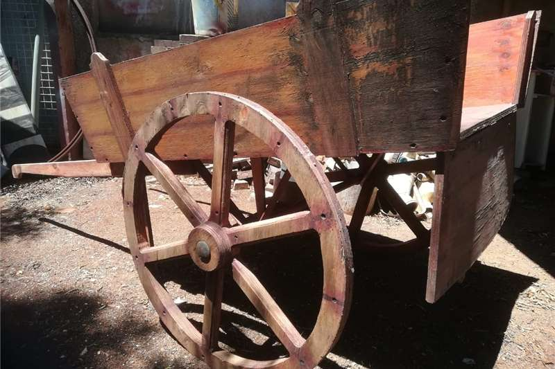 Agricultural trailers Carts and wagons Large wooden cart