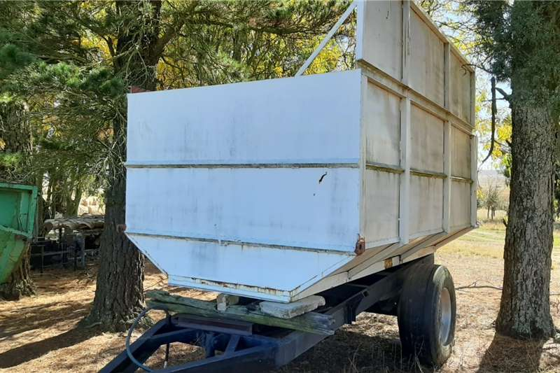Debulking trailers Kuilvoer Tip Wa Silage Tipper Trailer Agricultural trailers