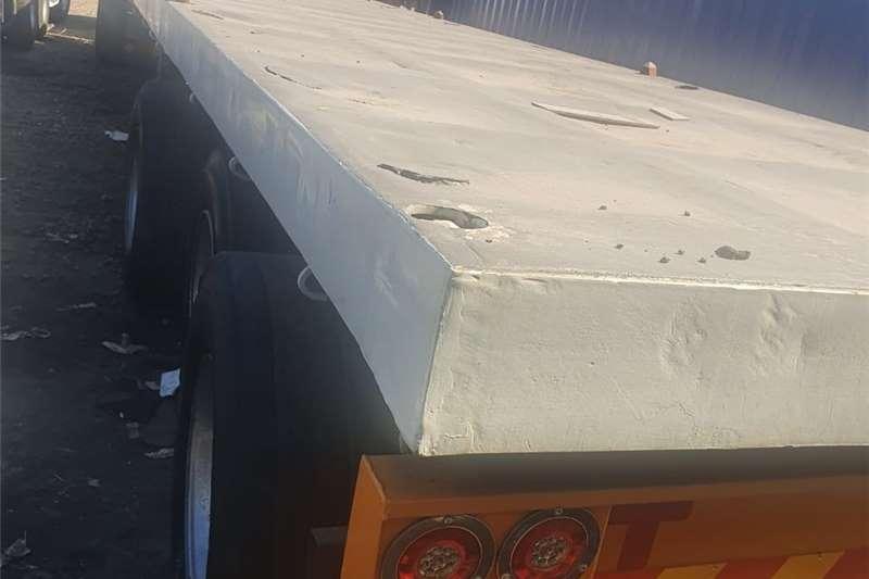 Dropside trailers RefurbishedHenred tri axle140k, excl VAT ne Agricultural trailers