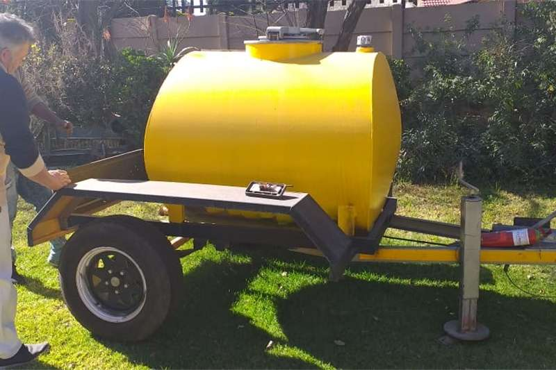 Agricultural trailers Fuel bowsers Bowser 1000l diesel trailer.  Refurbished new tyre