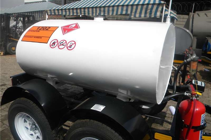 Fuel bowsers Custom 1000 Litre Fuel Bowser Agricultural trailers