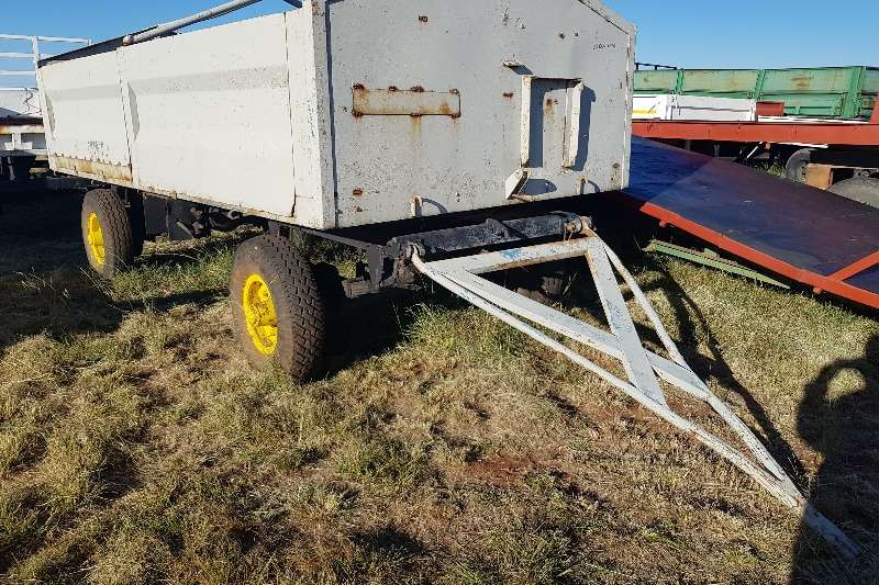 Agricultural Trailers Grain Trailers Grey +-6 ton trailer
