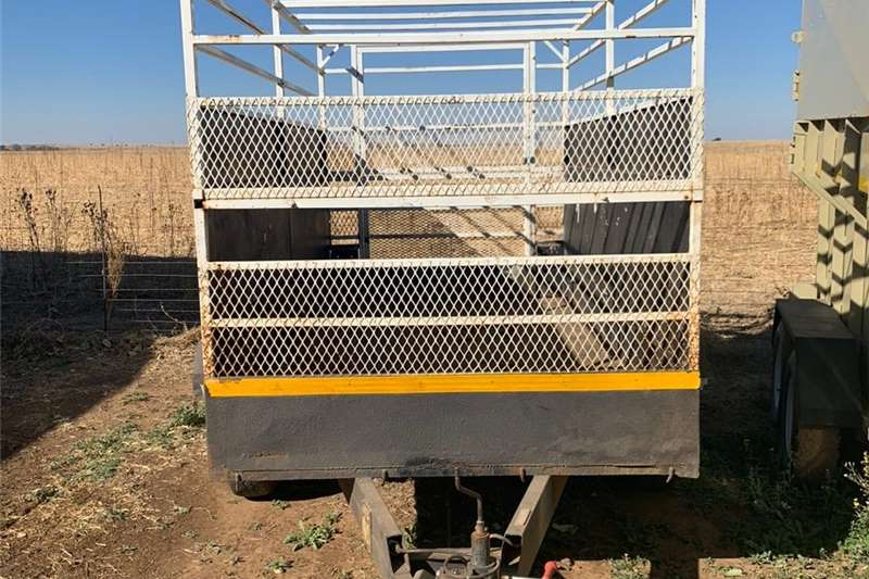Livestock trailers 2 As Bees Trailer Agricultural trailers