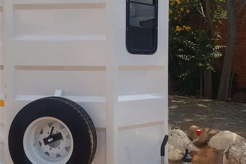 Livestock trailers 2 birth horsebox Agricultural trailers