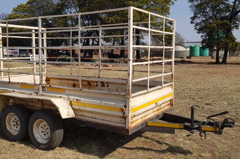 Agricultural trailers Livestock trailers Cattle trailer with papers