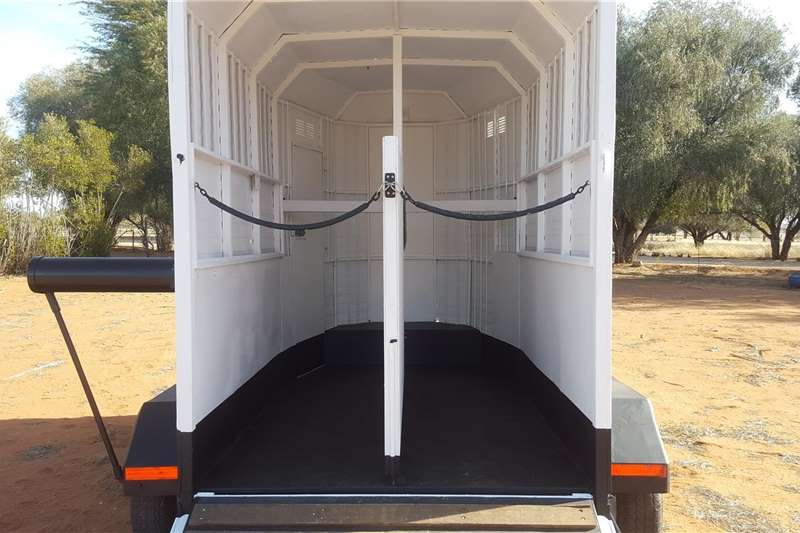 Livestock trailers Horsebox for sale Agricultural trailers