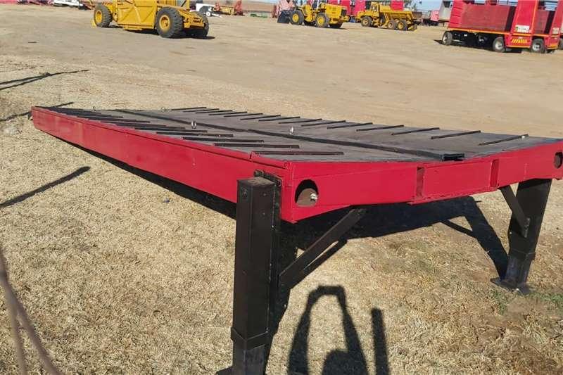 Agricultural trailers Loading Ramp 6 m Adjustable Laaibank