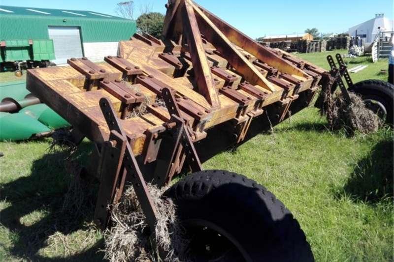 Agricultural trailers Swaar Diens Ripper
