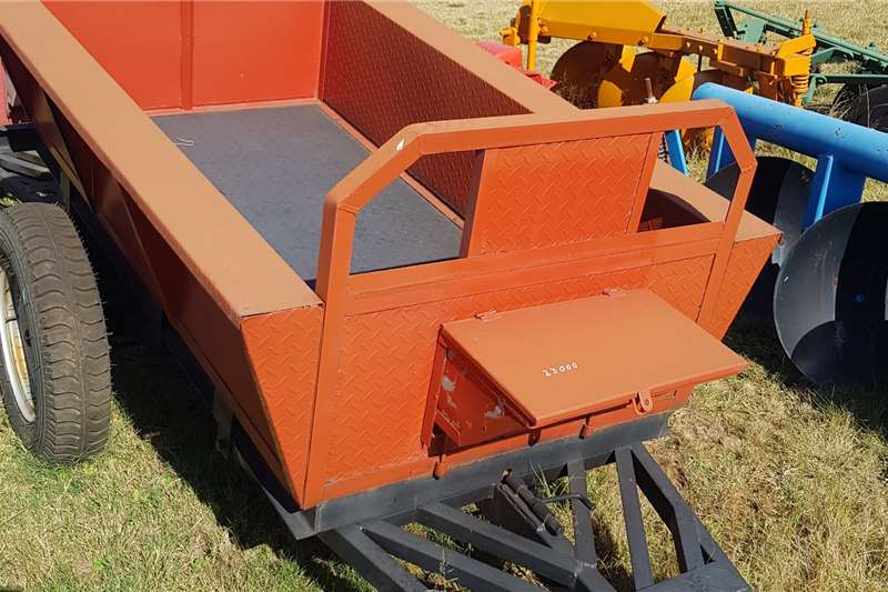 Agricultural trailers Tipper trailers 1.5ton tip trailer