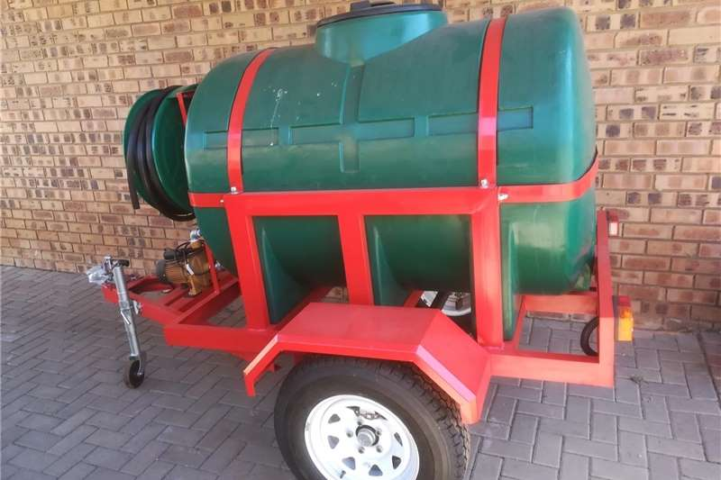 Water bowsers 1000L Water treiler for sale. Agricultural trailers