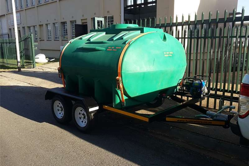 Agricultural trailers Water bowsers 5000  liters Tanker  Plastic
