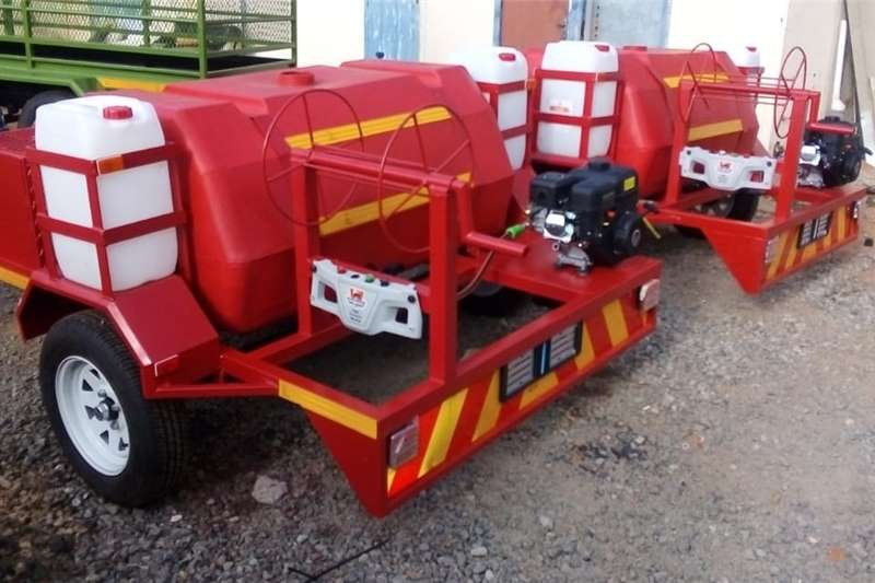 Water bowsers BOWSER TRAILER FOR SALE Agricultural trailers