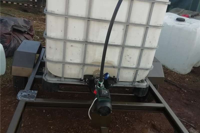 Water bowsers Flow bin trailers Agricultural trailers