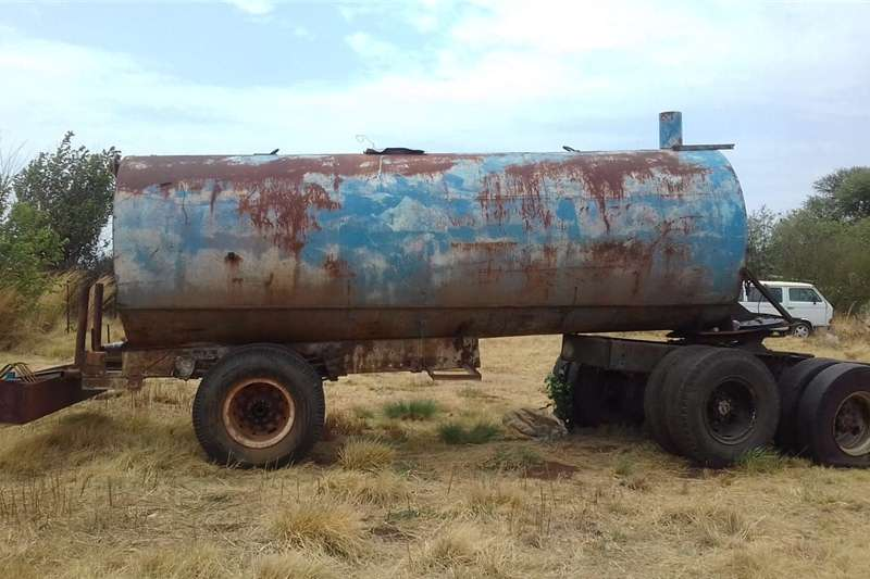 Agricultural trailers Water tankers 13000lt  Tank on trailer with crib