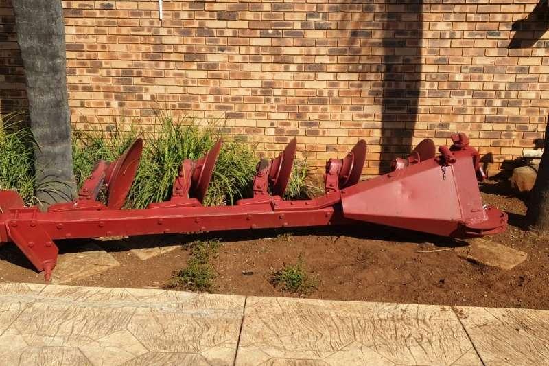 Arlington Staalwerke Ploughs 5 SCAR PLOUGH