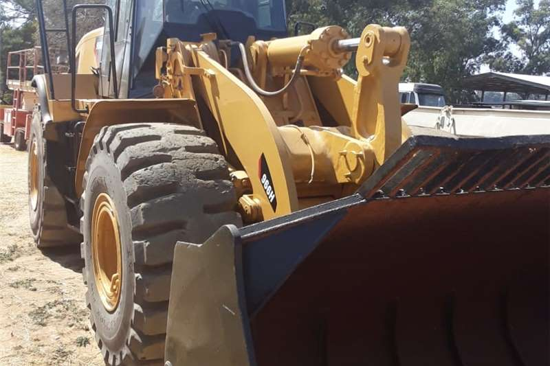 Four wheel drive Cat 966 H Front end loader ATV's
