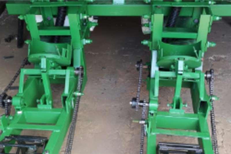 Backsaver Planting and seeding equipment Drawn planters Backsaver tractor planter 2020