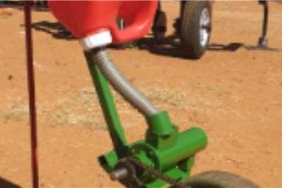 Backsaver Drawn planters Bacsavers Todpress Applicator Planting and seeding equipment