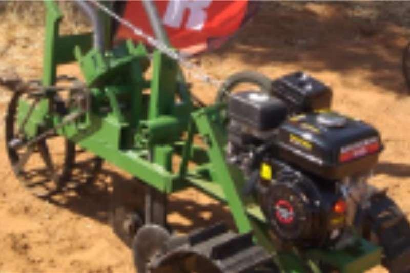 Backsaver Drawn planters Engine Planter Planting and seeding equipment