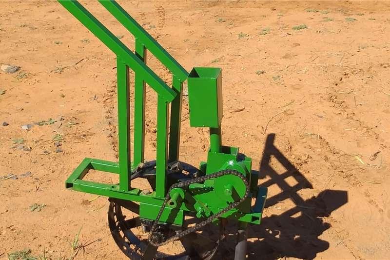 Backsaver Planting and Seeding Equipment Feed Grass Planter