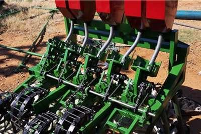 Backsaver Row planters 5 Row Fodder Planter Planting and seeding equipment
