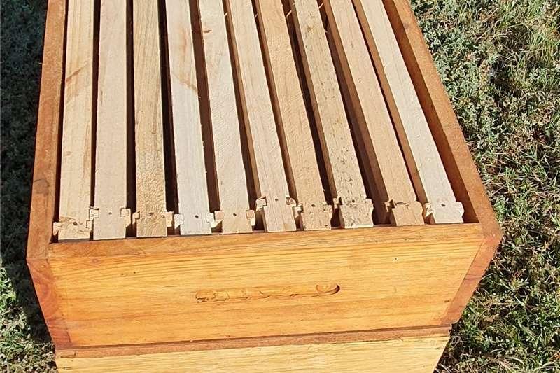 Beekeeping Beehives Beehives for Sale    Solid Pine Floors   Waksol tr